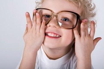 Как лечить астигматизм у детей младшего возраста - несколько рекомендаций