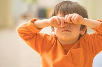 Красные глаза с гноем у ребенка - лечение заболеваний, при которых возникает данный симптом