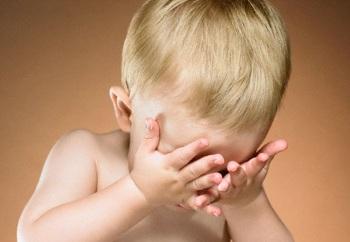 Признаки, по которым можно определить астигматизм у детей